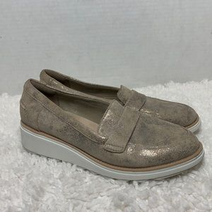 Clarks size 8 Sharon Gracie wedge gold loafer shoe